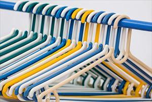 3-2.clothes-hangers-582212_1280-min_R