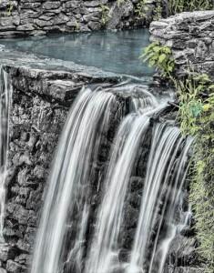 16小のときは小のハンドルで流すだけでwaterfall-166539_1280_R