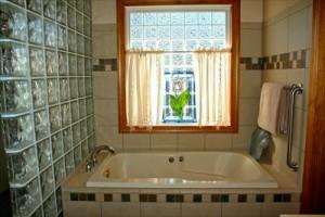10 4人家族の生活費を平均よりもダウンさせよう!お風呂代はこうやって節約bathtub-54587_1280_R