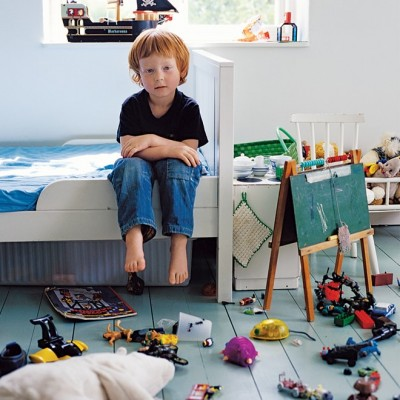 http://www.todaysparent.com/kids/preschool/let-childs-bedroom-stay-messy/