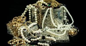 jewels-396441_1280