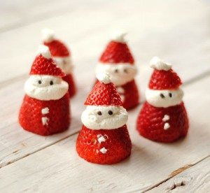 http://www.leannebakes.com/2012/11/santa-strawberries.html