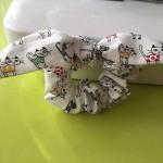手縫いで簡単手作りシュシュの作り方☆100均活用術!