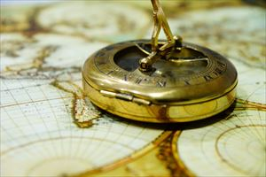 2-2compass-429772_1280-min_R