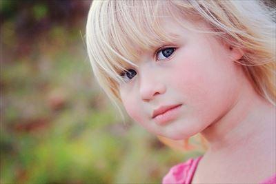 4.girl-441896_1280-min_R