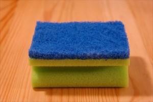 4スポンジを分けると水道代と洗剤が節約できるsponge-231922_1280_R
