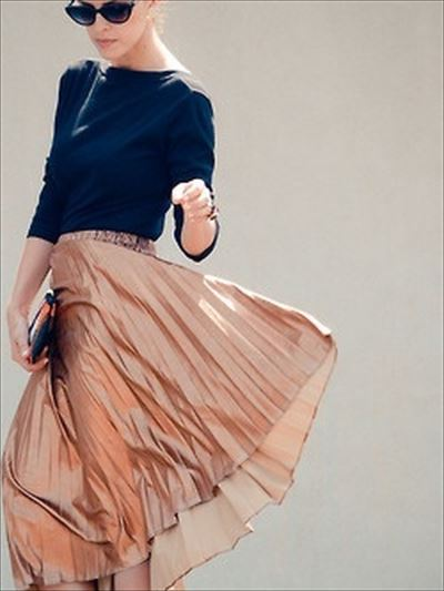 http://woman-lifeinfo.com/pleated-skirt-for-fall-winter/