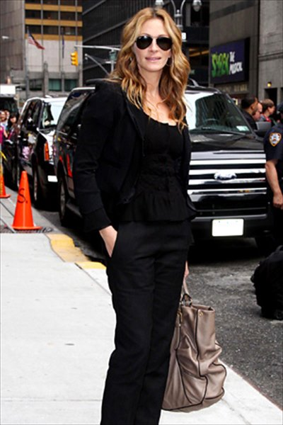 http://www.vogue.co.jp/celebrity/stylewatch/2009-08-26